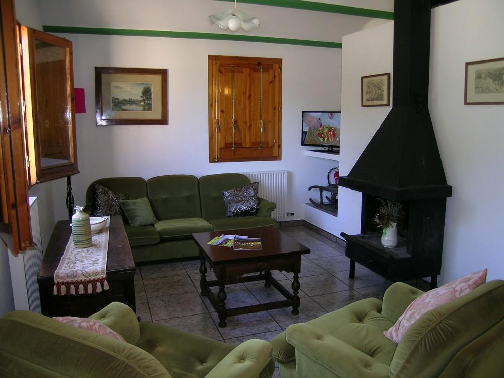 Sala d'estar amb xemeneia